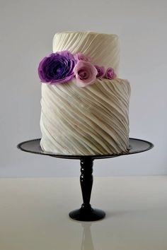 Wedding round ruffles cake