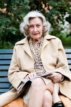 How to age gracefully (fashion lessons from an Italian woman)!