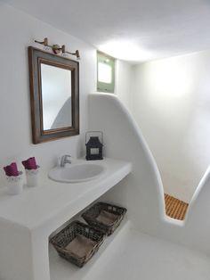 Have your wedding, reunion or bachelor party in our Mykonos villas. Lavender Bathroom, Bathroom Spa, White Bathroom, Bathroom Interior, Small Bathroom, Style At Home, Mykonos Villas, Mykonos Greece, Rustic Bathroom Designs