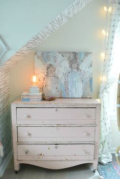 Pink Paint- Benjamin Moore Dream Whip 2174-60 Perfect Pink Painted Dresser