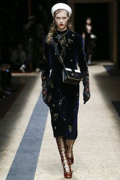See the complete Prada Fall 2016 Ready-to-Wear collection. #velvet