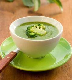 Cream of Broccoli Soup Paleo Recipes, Mexican Food Recipes, Soup Recipes, Cooking Recipes, Brocoli Soup, Cream Of Broccoli Soup, Chowder Soup, Good Food, Yummy Food
