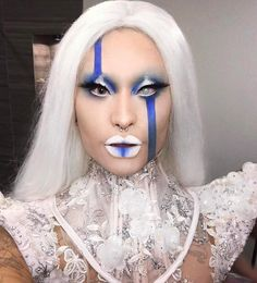 "6,698 Likes, 99 Comments - Eva Young / Andy Zhang (@evayoung_) on Instagram: ""Royal Blue  Last nights mug for Queen @smartbarchicago #evayoung  Makeup: @milkmakeup @sugarpill…"""