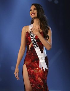 Catriona Gray from the Philippines, Miss Universe evening gown Grey Fashion, Fashion Models, Fashion Outfits, Miss Universe Gowns, Miss Universe Philippines, Debut Gowns, Grey Gown, Pageant Crowns, Miss France