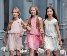 Encuentra los vestidos para niña de las mejores marcas, los vestidos más bonitos. Consejos sobre donde comprar los vestidos para niña, complementos...