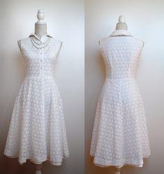 Vintage 1950s dress/ 50s dress/ 50s lace dress/ white lace dress