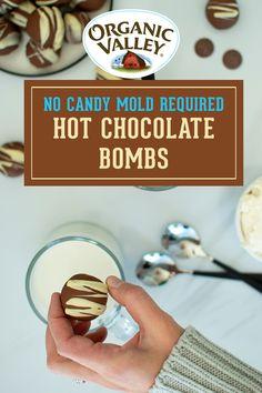Hot Chocolate Gifts, Homemade Hot Chocolate, Hot Chocolate Bars, Hot Chocolate Recipes, Chocolate Dreams, Chocolate Bomb, Chocolate Molds, Just Desserts, Dessert Recipes