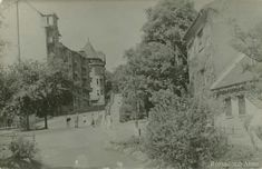 1960 körül. Rómer Flóris utca a Margit utcai parkból nézve. Fent a Zivatar utca sarkán a házunk.