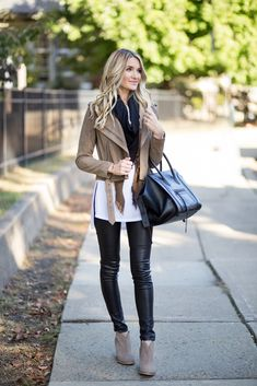 Leather & Suede Rocker Glam Fall Outfit | Blonde Expeditions