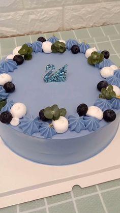Satisfactory healing system Cake Decorating Videos, Cake Decorating Techniques, Cake Icing, Buttercream Cake, Brownie Cupcakes, Cupcake Cakes, Pretty Cakes, Cute Cakes, Korea Cake