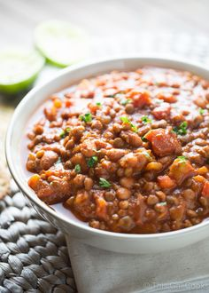 This simple and delicious vegetarian lentil chili is ready to devour in 20 short minutes. Top it with your favorite cheese, sour cream and herbs! Chili Recipes, Soup Recipes, Vegetarian Recipes, Cooking Recipes, Healthy Recipes, Healthy Weeknight Meals, Easy Meals, Dessert, Vegetable Dishes