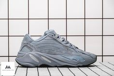 Notre Boutique Instagram : SAPP2QUALITE ⚜ Adidas Yeezy Sneakers, Jordans Sneakers, Air Jordans, Sneaker Brands, Luxury Branding, Boutique, Instagram, Blue, Air Jordan