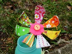 Bendable Fabric Flower - Great project for spring or Mother's Day! @amandaformaro