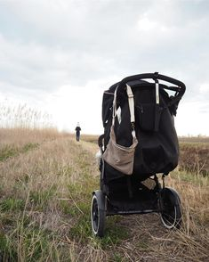 phil and teds helps parents live a dynamic life with baby in tow! check out the phil&teds® baby stroller range, shop online or get support worldwide. Phil And Teds, Travel Cot, Travel System, Family Activities, Travel With Kids, Baby Car Seats, New Baby Products, Baby Strollers