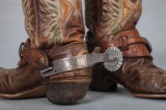 Roy Rogers' Eagle Boots and Edward H. Bohlin Spurs. High Noon Auction Estimate: $12,000-16,000.