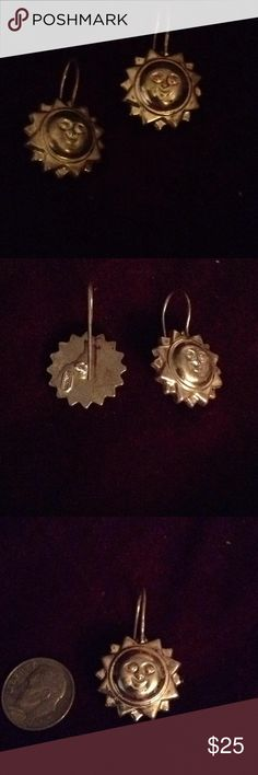 STERLING SILVER STAMPED 925 ITALY EARRINGS VINTAGE STAMPED ITALY 925 SUN FACE EARRINGS.  NICELY CONSTRUCTED AND NOTICEABLE WHEN WORN.  ANY QUESTIONS PLEASE FEEL FREE TO ASK AND THANK YOU FOR VISITING MY CLOSET. Jewelry Earrings