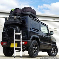 If they put baggage on the roof rack and fold a ladder, the preparations for Jimny trip are completed. Suzuki Jimny Off Road, New Suzuki Jimny, Jimny 4x4, Jimny Sierra, Suv 4x4, Off Road Adventure, Ultralight Backpacking, Camping Glamping, Lift Kits