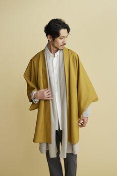 Casual Winter Haori Will Have You Styling Like A Modern Day Samurai Look Kimono, Kimono Jacket, Vetements Clothing, Coatdress, Kimono Fashion, Fashion Coat, Japanese Fashion, Japanese Clothing, Japanese Style