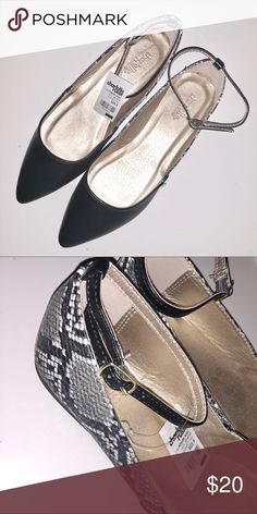 93543c5a0c69d Black Snake Skin Pointed Toe Flats BRAND NEW NEVER WORN! Super chic flats  that you can wear under a cute dress