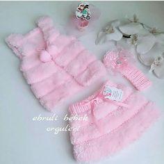 Crochet Bebe, Knit Crochet, Teachers Pet, Baby Vest, Knit Vest, Baby Knitting Patterns, Diy And Crafts, Outfits, Style