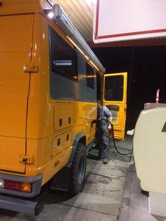 Womoausbau von Vario 814 DA - Allrad-LKW-Gemeinschaft Mercedes Camper, Old Mercedes, Camper Interior, Diy Camper, Land Rover Defender, Hymer, Sprinter Rv, T2 T3, Kombi Home