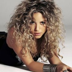 Shakira Curly long hair