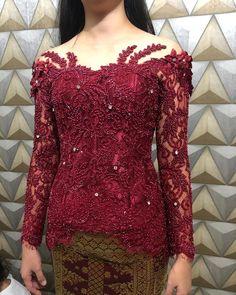 More info: IG: Utari Nugrahani.ayu Tlp/WA: 087788222102 line: utari. Kebaya Hijab, Kebaya Brokat, Kebaya Dress, Batik Kebaya, Kebaya Muslim, Indonesian Kebaya, Kebaya Bali, Kebaya Simple, Model Kebaya Modern