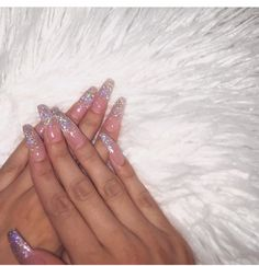 Nail art is a very popular trend these days and every woman you meet seems to have beautiful nails. It used to be that women would just go get a manicure or pedicure to get their nails trimmed and shaped with just a few coats of plain nail polish. Dope Nails, Nails On Fleek, Fun Nails, Sexy Nails, Cute Acrylic Nails, Acrylic Nail Designs, Pink Acrylics, Matte Nails, Gorgeous Nails