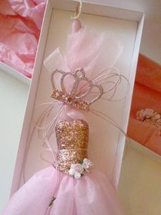 Irene & Nicki Crafts: Easter 2017 Romantic Paris, Quinceanera Party, Wooden Plaques, Decoration, Candlesticks, Irene, Pink Roses, Balloons, Perfume Bottles
