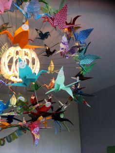 Origami crane pendant light / kraamvogel lamp - IKEA hack