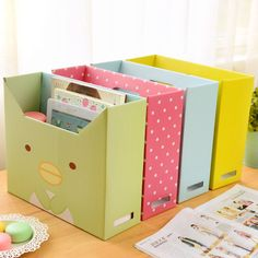 Cardboard Storage, Diy Storage Boxes, Cardboard Box Crafts, Paper Storage, Craft Storage, Wall Storage, Cardboard Organizer, Lid Storage, Cheap Storage