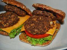 Soijarouhepihvit Hamburger, Chicken, Ethnic Recipes, Food, Essen, Burgers, Meals, Yemek, Eten