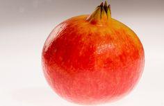 Efecto anti-glicación del Extracto de Granada (Punica granatum L.) | Zumo de granada Granada, Pear, Apple, Fruit, Food, Juices, Apple Fruit, Grenada, Meals