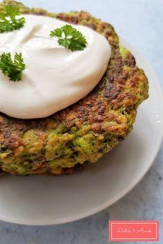 Salmon Burgers, Avocado Toast, Cheddar, Healthy, Breakfast, Ethnic Recipes, Food, Morning Coffee, Cheddar Cheese