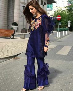 Beautiful Maya Ali Celebrates Eid in this Stunning Blue Outfit by #MohsinNaveedRanjha while Shooting For #TeefainTrouble in #WarsawCity #Poland ⚡ #Gorgeous #Elegant #Style #MayaAli #EidUlFiter #Eid2017 #SummerCasual #SummerOutfits #PakistaniFashion #PakistaniActresses #PakistaniCelebrities ✨