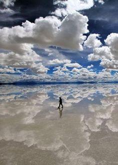 Discover the World's Largest Salt Flat: Salar de Uyuni, Bolivia #travel #bolivia #mustsee #bucketlist #wanderlust #nature
