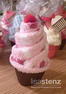 Cozy socks cupcake gift. Cool gift to give as treat bag from party.