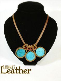 Collar de  Cuero Genuino, y piedras turquesas
