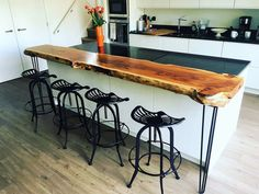 Live Edge Bar, Live Edge Wood, Banquette Seating, Home Remodeling, Home Furnishings, Kitchen Remodel, Sweet Home, Interior Design, Breakfast Bars