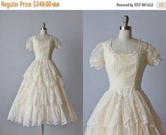 SALE 30% OFF 1950s Wedding Dress / 1950s by TheVintageMistress