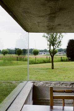 glas profielloos in beton geplaatst - by architect Jochem Heijmans
