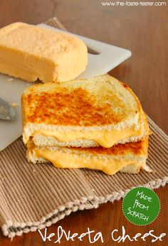 WHAAAT?? Yummo!!  Cutting out processed foods is hard when you just want a good old grilled cheese! Here is a homemade recipe for Velveeta!