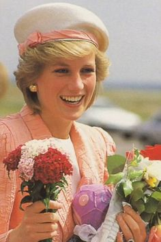 Princess Diana looks so fresh and lovely here!
