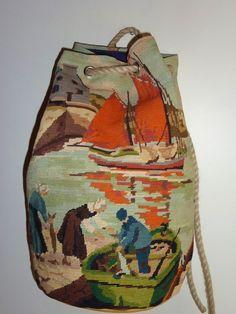 Scène de port Tapestry Bag, Tapestry Crochet, Sac D'art, Diy Sac, Art Bag, Unique Purses, Embroidered Bag, Fabric Bags, Vintage Crafts