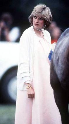 On est le 21 juin 1982 _  & _   Diana au polo _Suite