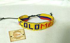 #Moda #Pulseras #Collares #Correas #Hombre #Mujer #Moneli #Bisuteria #Accesorios #Tendencias #Mostacilla #MostacillaCheca #EleganciaArtesanal #Artesanias #ArtesaniasColombia #Handmade #Hechosamano #Color #Joyeria #RegalosOriginales #Detalles #Exclusividad #Palmira #Colombia Beaded Bracelets, Necklaces, Crafts, Jewelry, Friendship Bracelets, Macrame, Mario, Cookies, Facebook