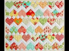 ZigZag Love Pattern - Quilting Pattern Presentation - YouTube AVAILABLE ON CRAFTSY.  This one's on my shortlist to make!  Short list heart quilt