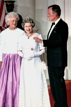 Queen Elizabeth and President Bush Sr. // The Bushes look nice in bow-ties! :D I'm not used to seeing the Queen with hair that isn't pure white!
