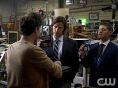 """The Mentalist"" - (L-R): Johnny Sneed as Jimmy Tomorrow, Jensen Ackles as Dean Winchester, and Jared Padalecki as Sam Winchester in SUPERNATURAL on The CW. Photo: Michael Courtney/The CW©2011 The CW Network, LLC. All Rights Reserved."