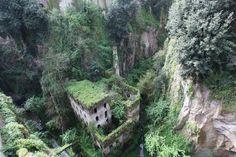 "Sorrento's Beautiful ""Valley ofthe Mills"""